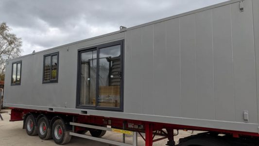 Large 40 x 12ft 1 bed 2 person garden room